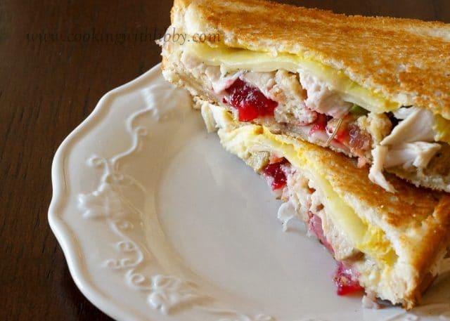 LeftOverThanksgivingSandwich