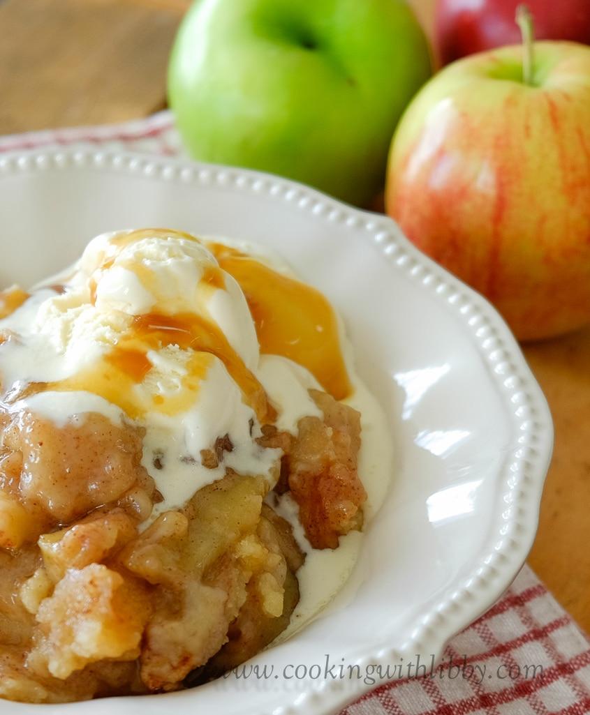 The Best Caramel and Cinnamon Apple Crisp